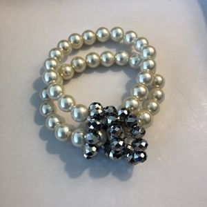 Pearl Bracelet with Silver Beads - Costume Jewelry